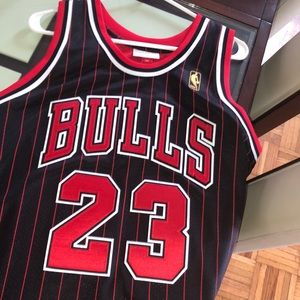 Mitchell & Ness Authentic Throwbacks Size 48(XL)